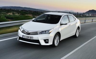 Фара головного света Toyota Corolla 2014